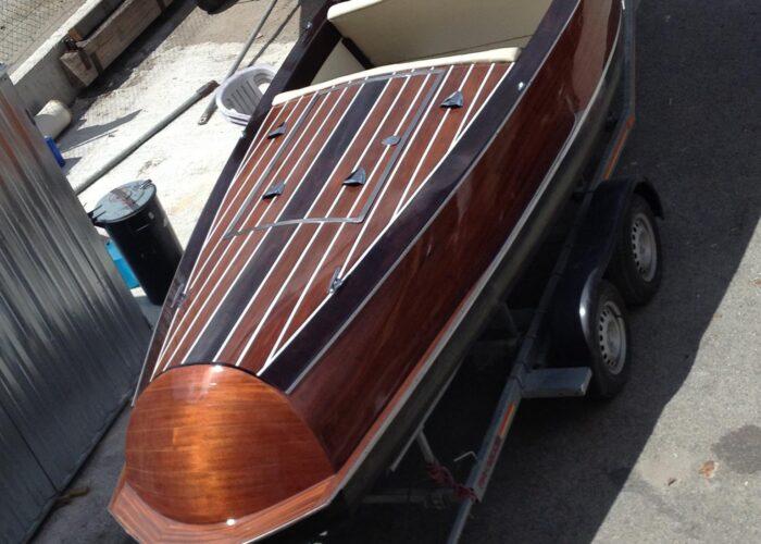 CLassic.21.motorboat.barca a motore trasimeno.barca in legno